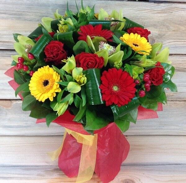 Какие цветы купить маме